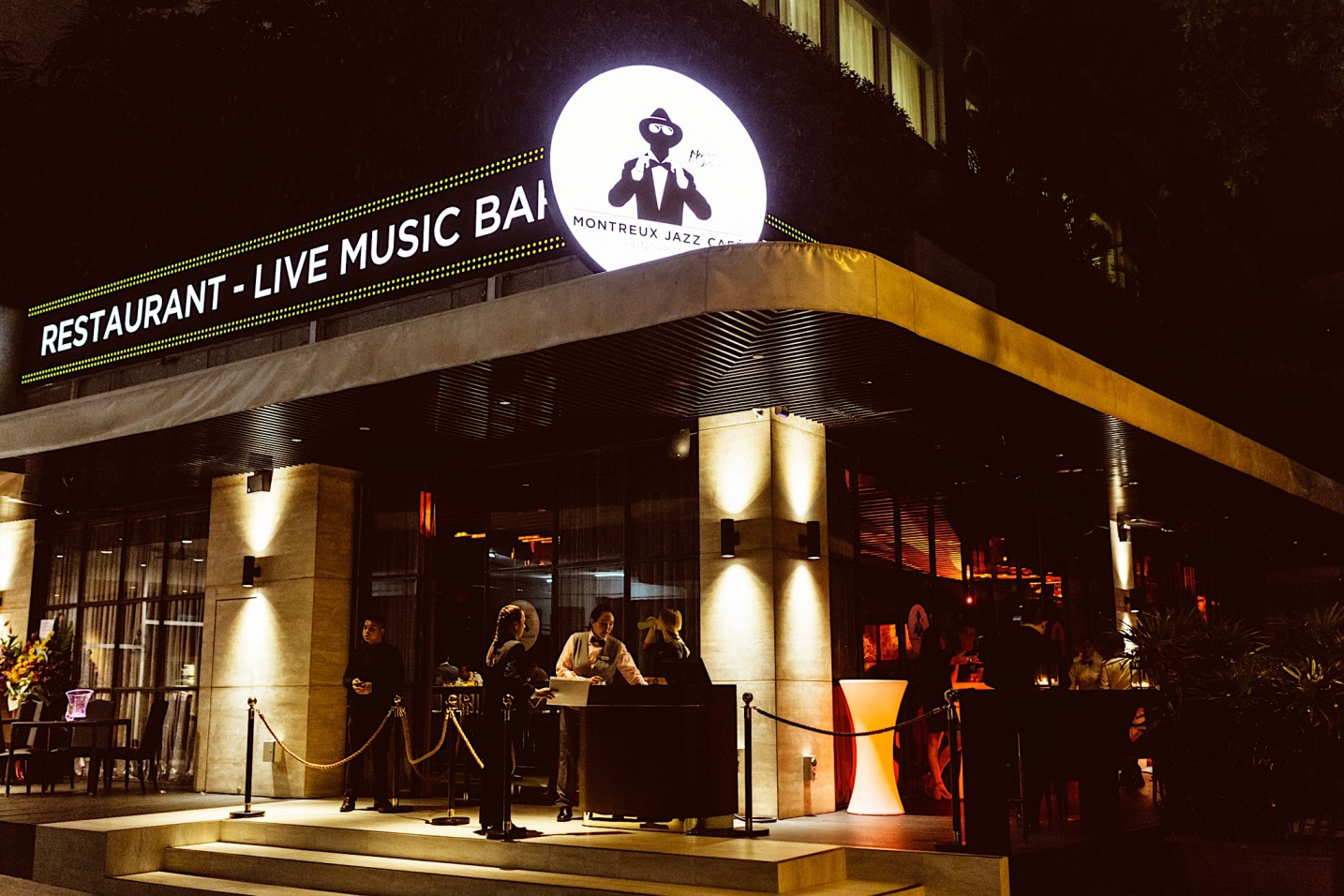 Montreux Jazz Cafe - Jazzin' up your Wednesday hump days!