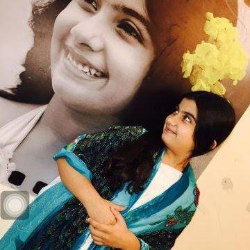 Foto Terbaru Ruhana Khanna