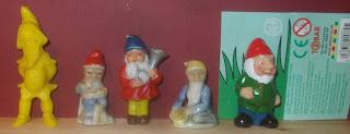 Beccles, Civilain Toy Figures, Dwarf Figurine, Fontanini Dwarf, Gnome Toy, Hawkin's Bazaar, Hawkin's Bazar, Heinerle Manurba, Leprechaun, Manurba Heinerle, Novelty Figurine, NR34 75P, Pixie Toy, Plastic Figurine, Plastic Figurines, Plastic Novelty, Studio Heinerle Spiel und Süßwaren GmbH, The Old Aerodrome, Tobar Toys, Toy Gnome, Unknown, Unknown Toy Figures, Wundertüten, Small Scale World, smallscaleworld.blogspot.com, Hong Kong,