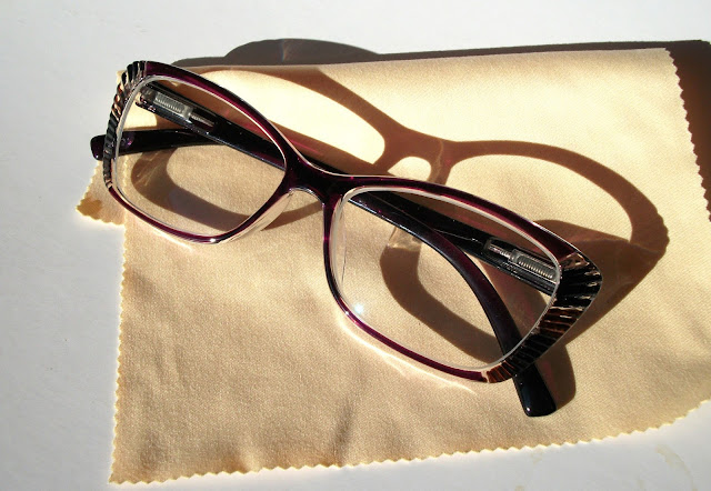 Lesley-cat-eye-eyeglasses-GlassesShop-customisable-cheap-eyewearvintage-glasses