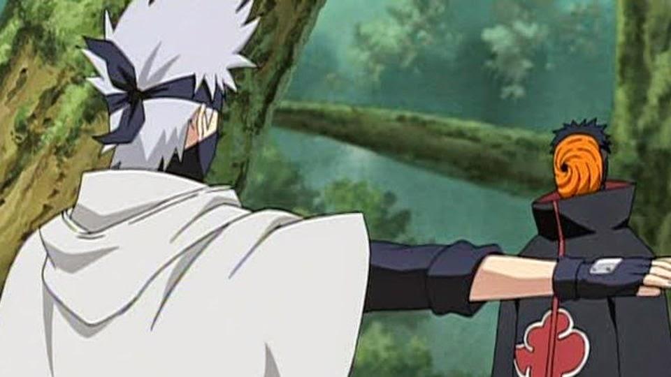 Tobi se enfrenta a Kakashi
