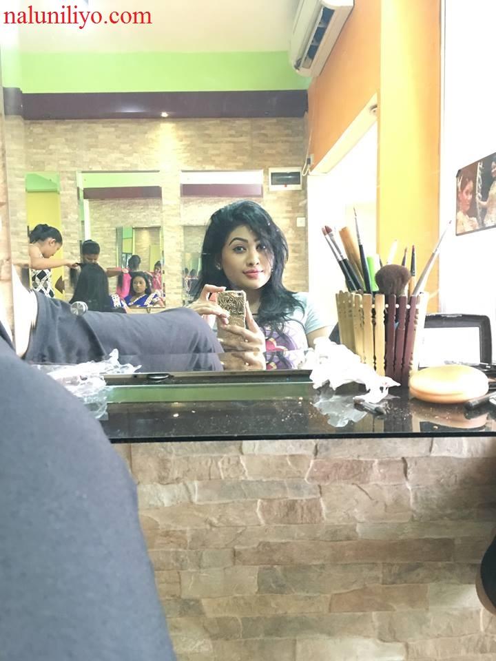Piumi Hansamali sexy