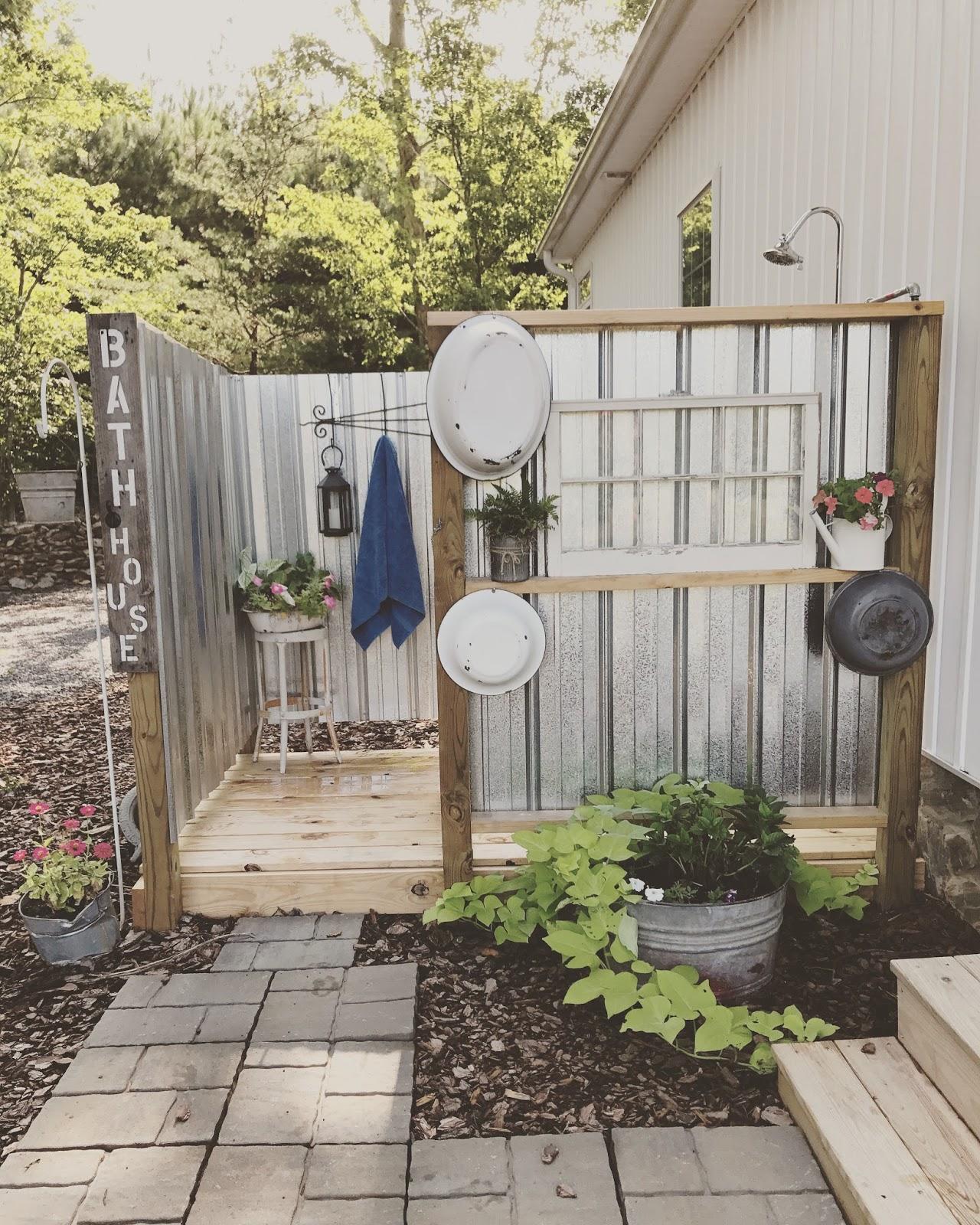 Camping Bathroom Ideas: RaH-Rags Designs: DIY Outdoor Shower