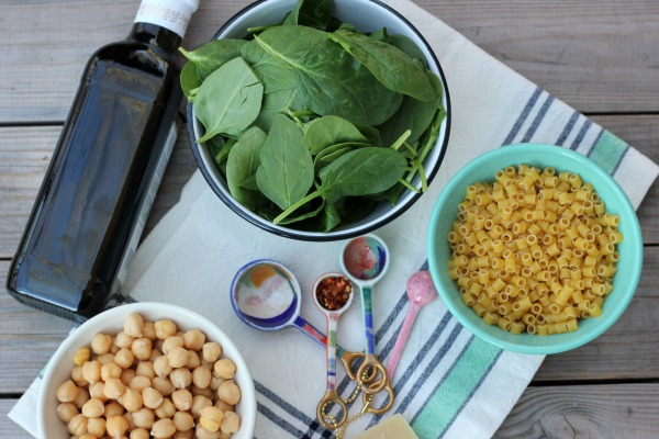 Garlic Spinach Pasta with Chickpeas