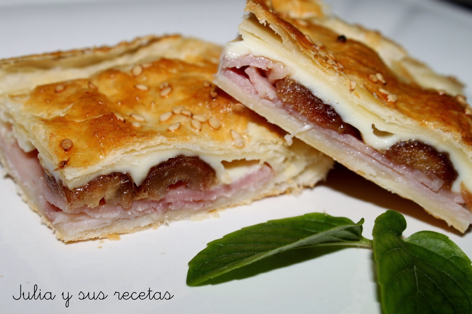 Empanada de dátiles y jamón. Julia y sus recetas