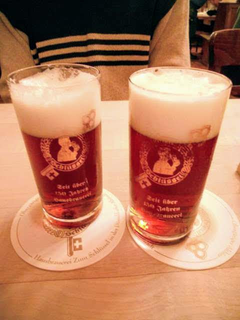 Things to do in Düsseldorf: drink Altbier
