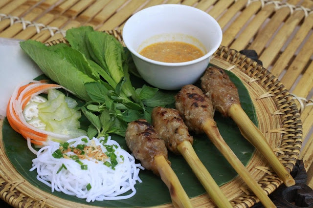 Vietnamese steet food through the lens of foreigner 10