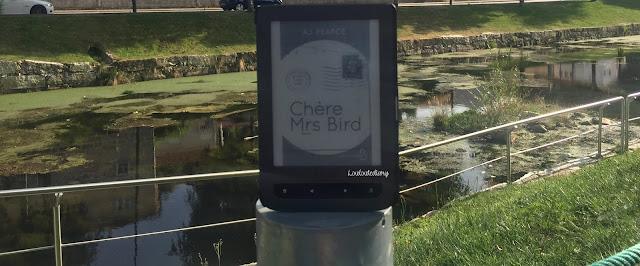 Publié aux éditions  Belfond, Chère Mrs Bird de AJ Pearce