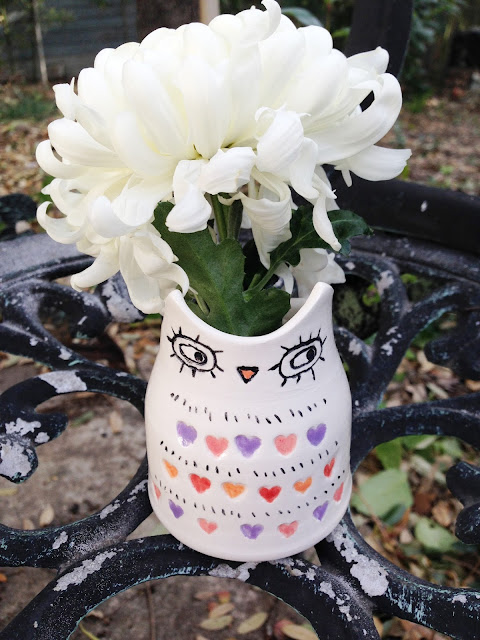 owl heart striped vase with flower