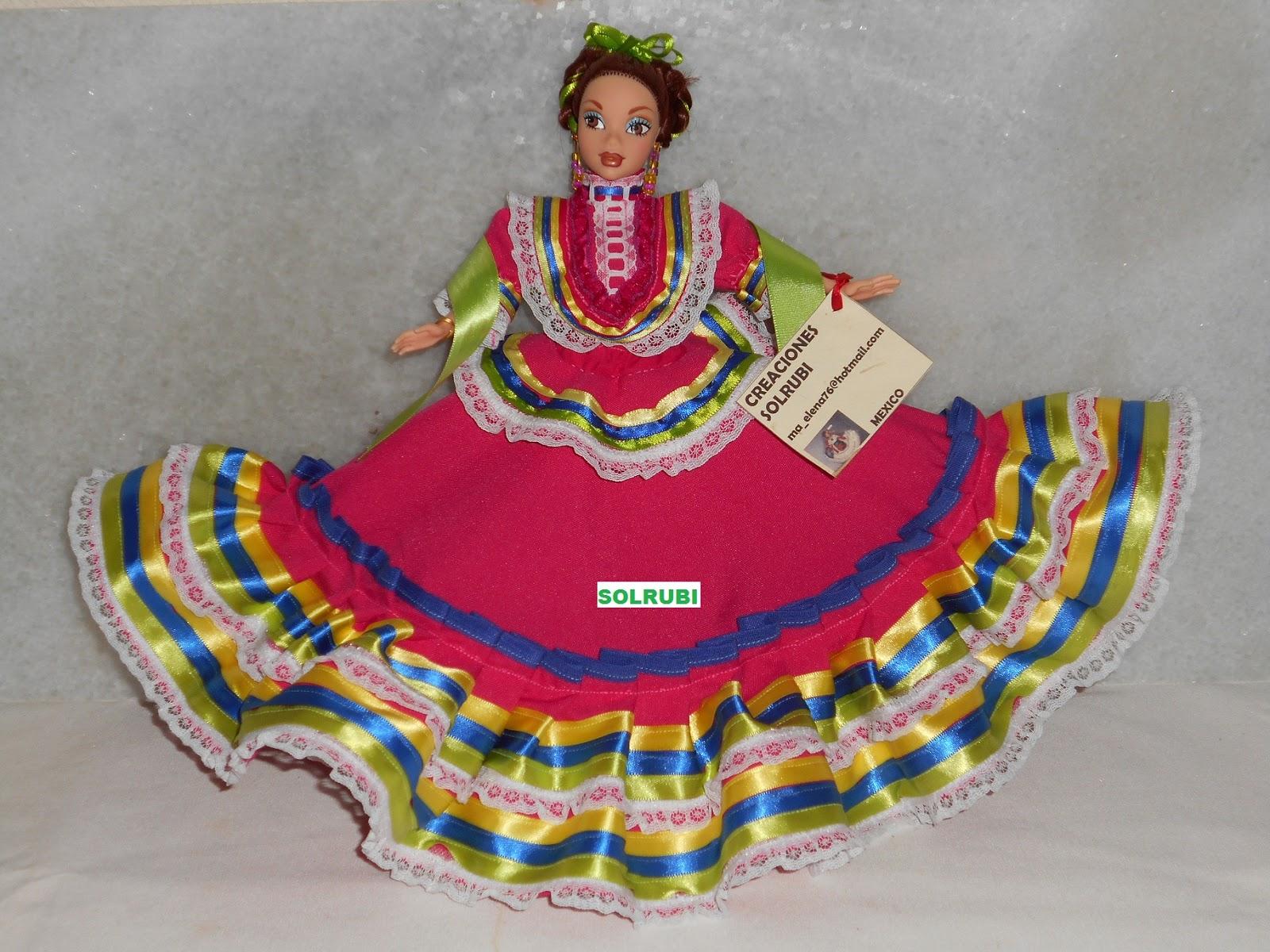 79ede4026086d El traje típico de Jalisco está formado por una amplia falda de vivos  colores