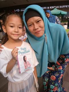 Belajar Mengasuh Anak Jaman Now Melalui Buku Mona Ratuliu