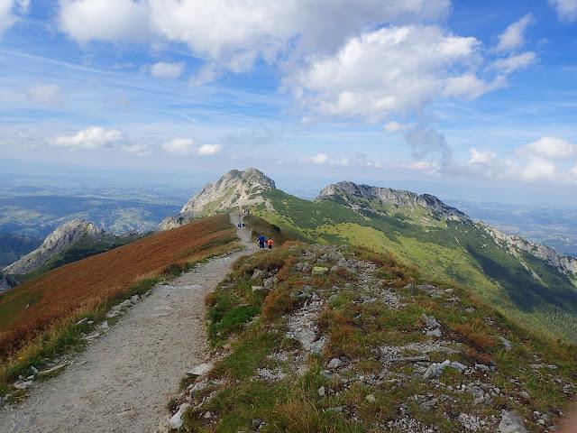 Szlak z Kopy Kondrackiej na przełęcz Kondracką