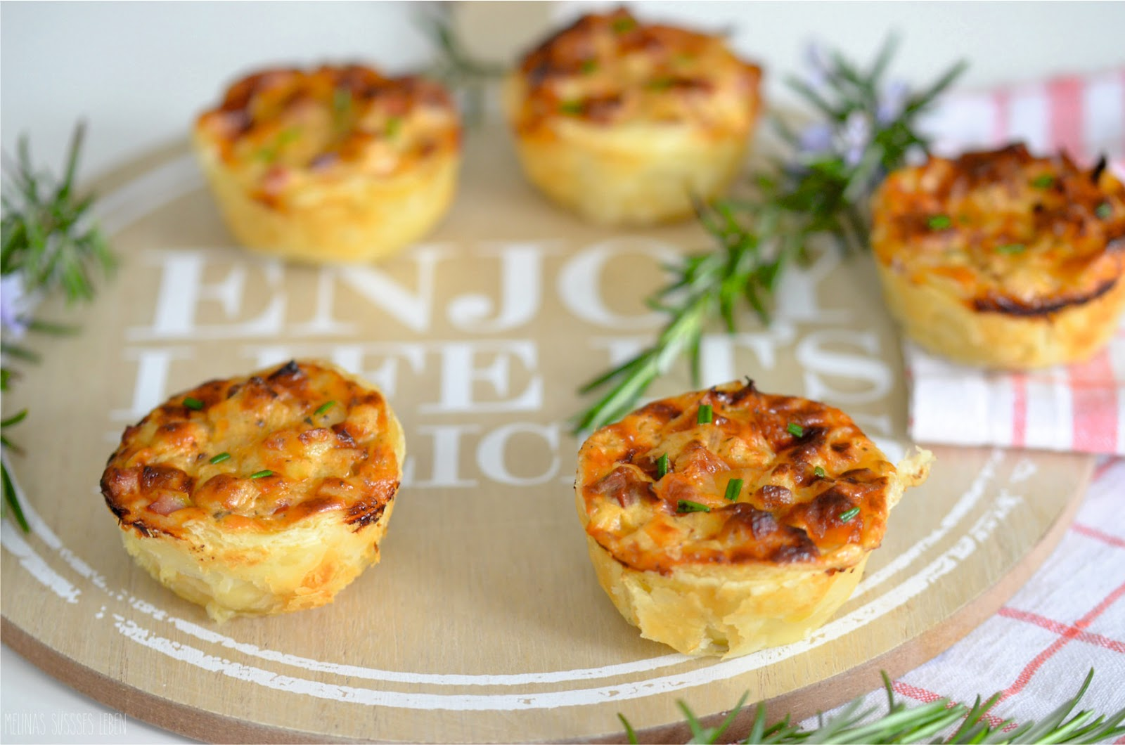 melina 39 s s es leben herzhafte mini quiches fingerfood. Black Bedroom Furniture Sets. Home Design Ideas