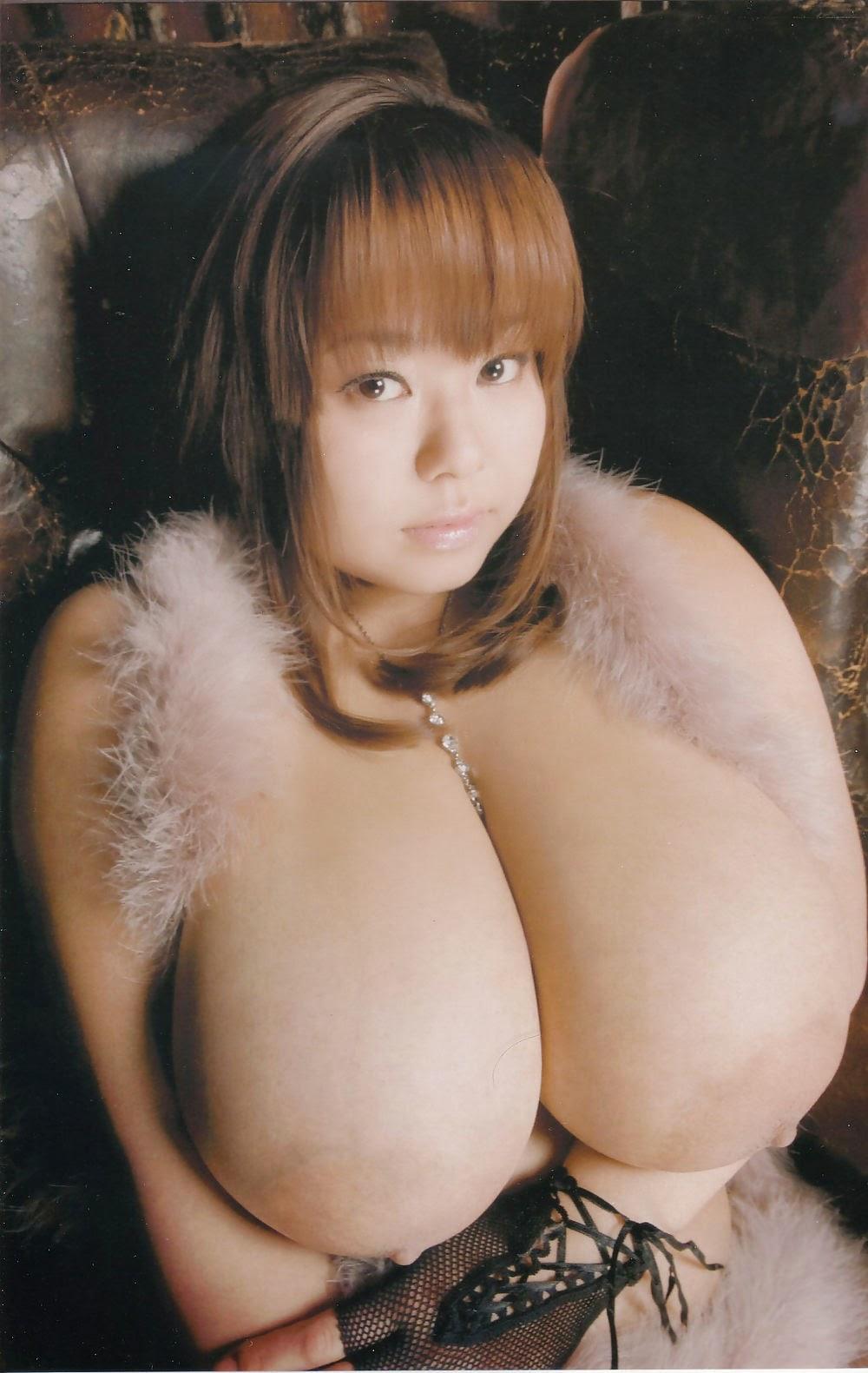 Natural tits girl gaping with facial 4