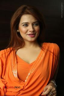 Actress Saloni Aswani Pos in Short Dress at Meelo Evaru Koteeswarudu Movie Interview  0175.JPG