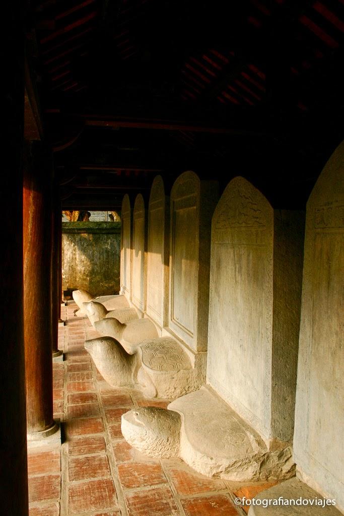 estelas templo literatura o van mieu en Hanoi