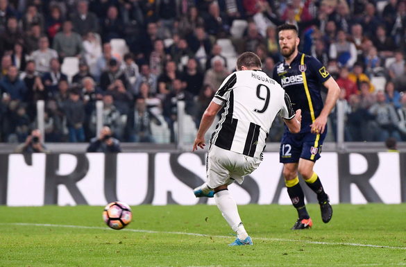 Hasil Liga Itali 9 April 2017: Juventus 2-0 Chievo
