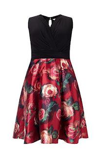 Платье с принтом на юбке