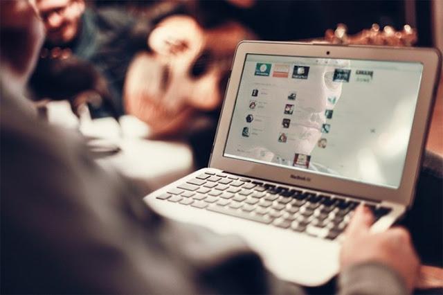 social-web-commenti-aggressivi