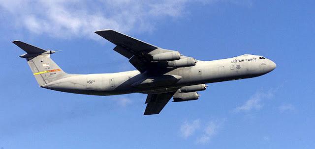 Gambar 37. Foto Pesawat Angkut Militer Lockheed C-141 Starlifter