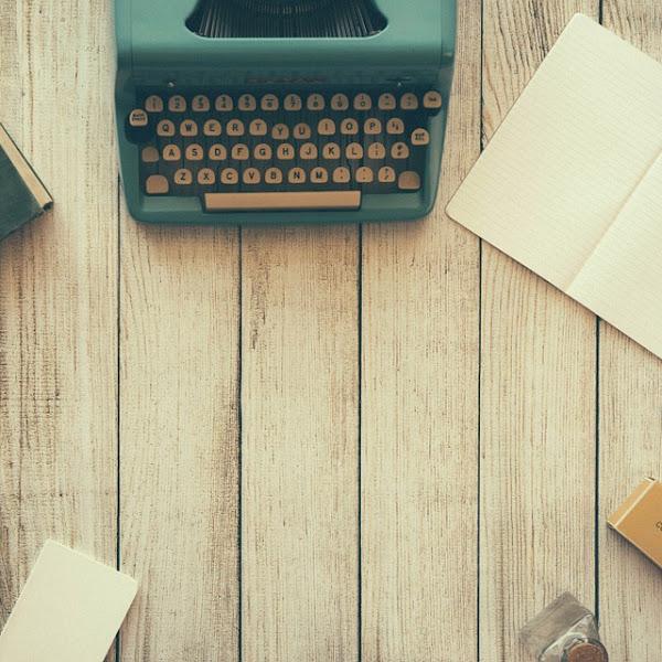 Bahasa dalam Sastra, Elemen Penting dalam Menulis