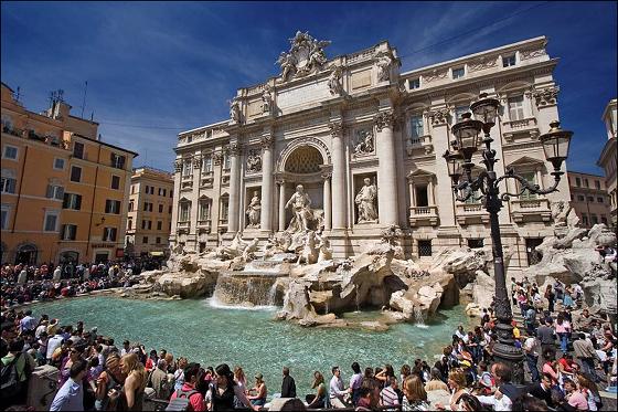 Φοντάνα ντι Τρέβι (Fontana di Trevi) το πιο διάσημο συντριβάνι της Ρώμης!