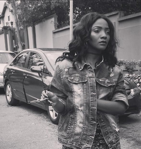 E no resemble you - Fans reject artist's drawing of Simi
