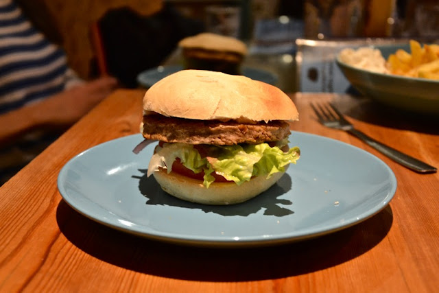 hamburguesa-soja-oveja-negra-madrid