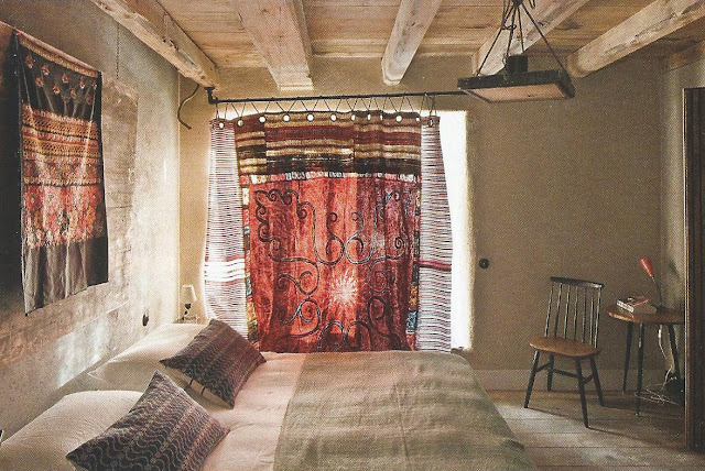 Bedroom, image via Marie Claire Maison Italy, edited by lb for linenandlavender.net