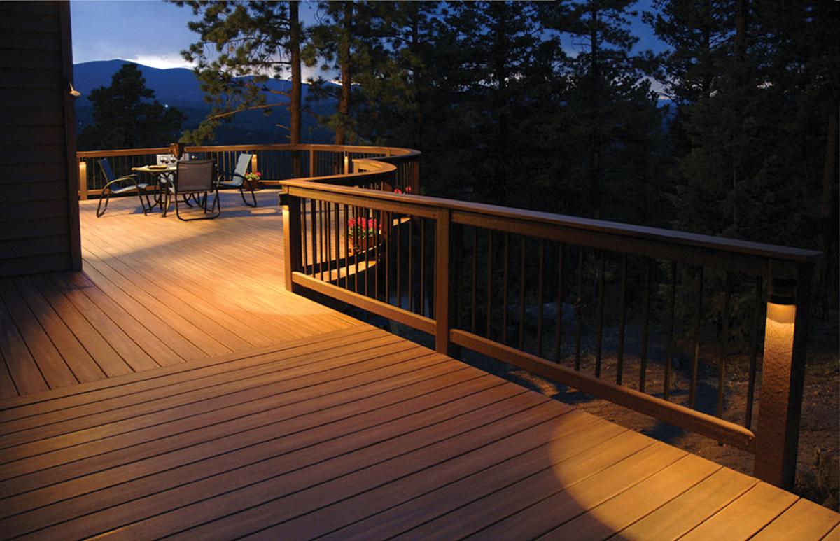 Solar panels for home: Solar Deck Lighting