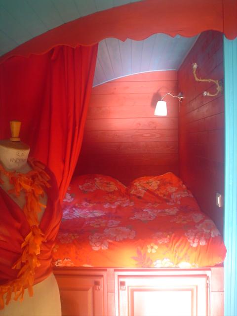 Casa su Ruote camera rosablu