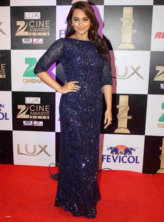 Sonakshi Sinha At Zee Cine Awards In Blue Dress