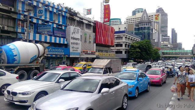 Tráfico en Bangkok (Tailandia)