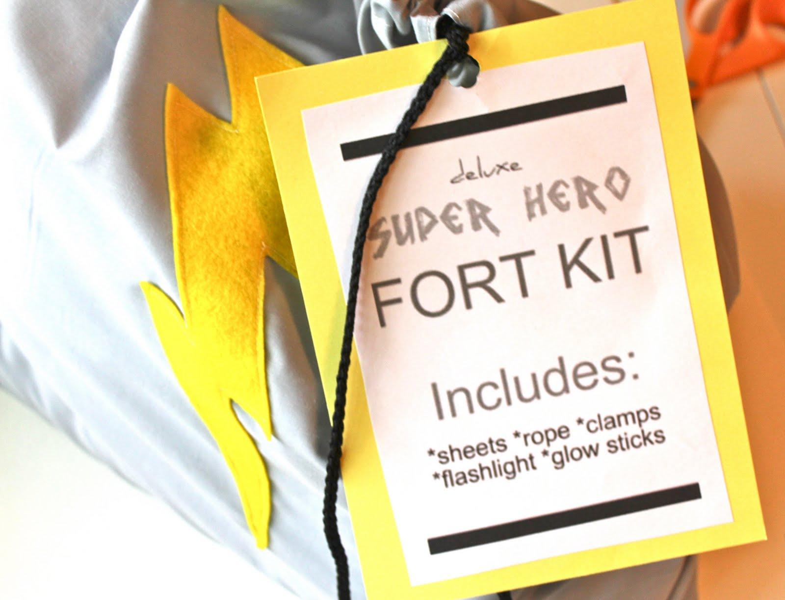"""Meg Andy """"super Hero Fort Kit"""
