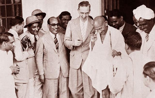Gambar ilustrasi pertemuan Cripps dan Gandhi