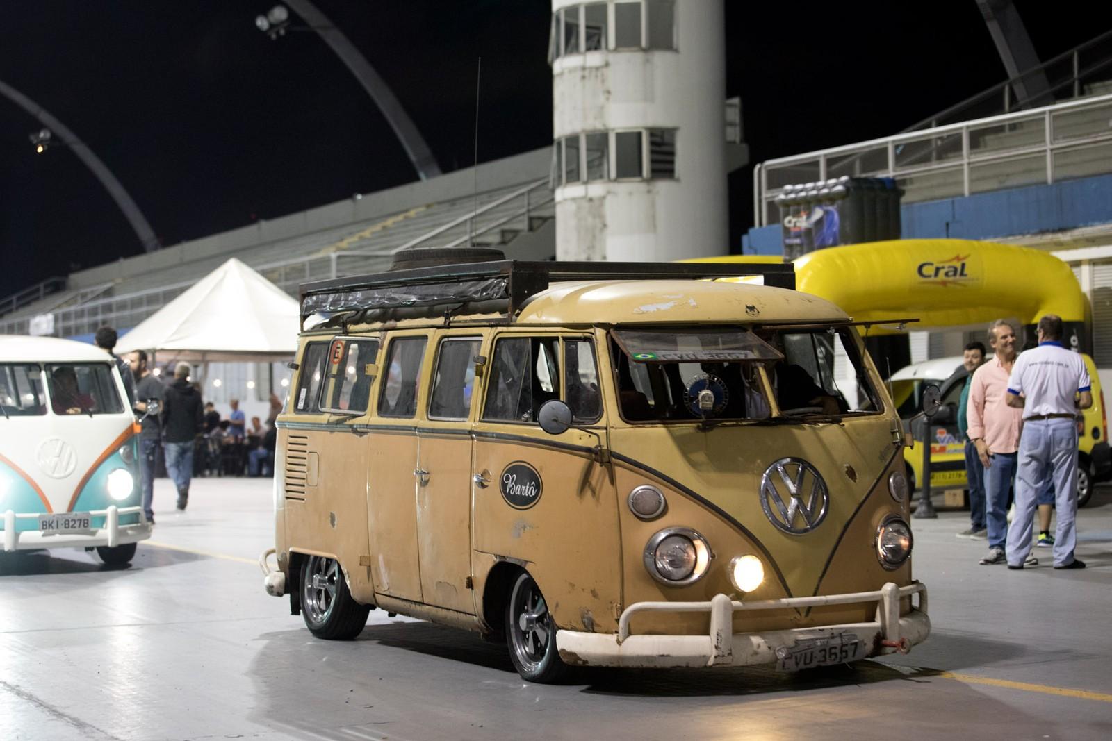 31765efeb43 Auto Show Collection realiza Noite da Kombi Modificada