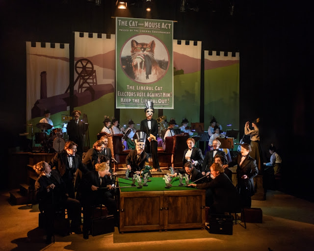 Elena Langer: Rhondda Rips It Up! - WNO Ladies Chorus - Welsh National Opera (Photo © Jane Hobson)