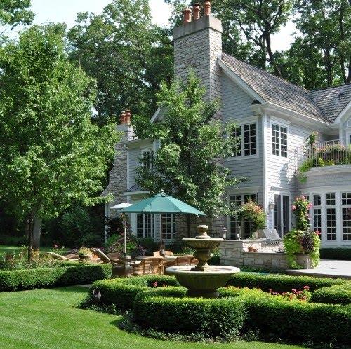 In Good Taste: Dreamy Backyards::