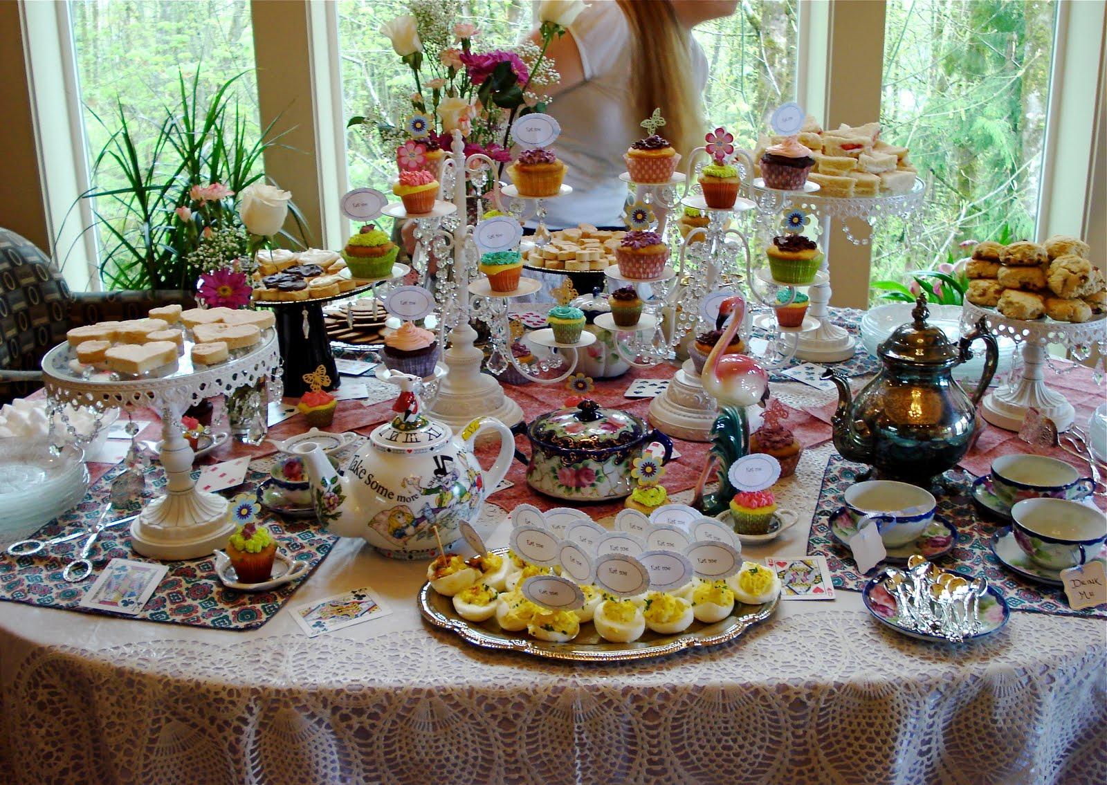 Style Inspiration Station: Alice in Wonderland Wedding Shower