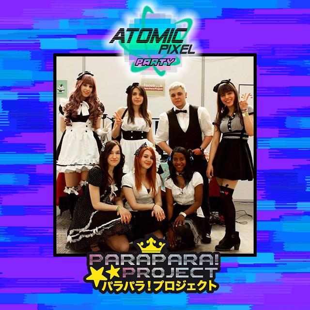 Imagen de seis chicas y un chico vestidos de sirvientes dentro de un marco con los logotipos de Atomic Pixel Party y ParaPara!Project