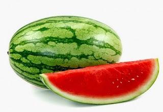 8 Manfaat Menakjubkan Buah Semangka