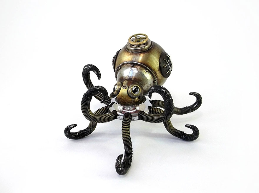 11-Octopus-Igor-Verniy-Recycled-and-Upcycled-Animal-Steampunk-Sculptures-www-designstack-co