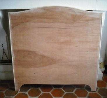 t te de lit patin e et d cor e cours peinture d corative meubles peints patin s. Black Bedroom Furniture Sets. Home Design Ideas