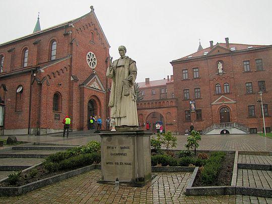 Sanktuarium św. Józefa i Klasztor Karmelitów Bosych.