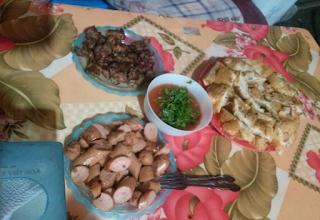 Quán bánh mì nướng tại chợ Đêm, tp Lạng Sơn