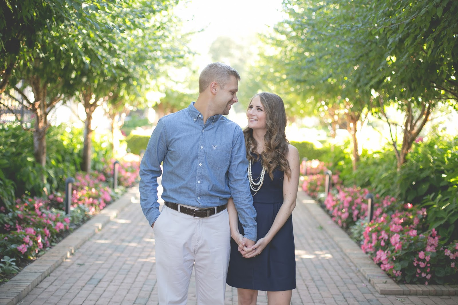 what to wear for your engagement pictures| how to choose an outfit for engagement photos | kansas city engagement pictures | engagement pictures to get | kansas city fashion blog | a memory of us | engagement picture ideas | poses to do for engagement pictures | tina norman of in his image wedding photography