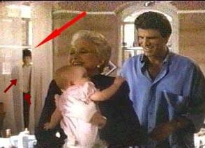 Resultado de imagem para tres solteiroes e um bebe3