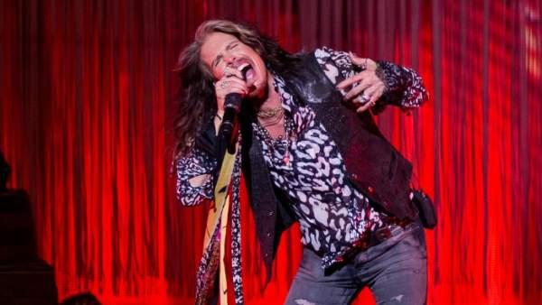 El cantante de Aerosmith, Steven Tyler, durante un concierto en solitario en Nueva York en 2016