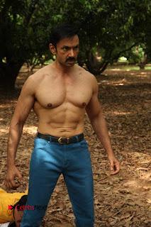 Vincent Asokan Sonia Agarwal Akhil Saran Nayana Starring Yevanavan Movie Stills  0004.jpg