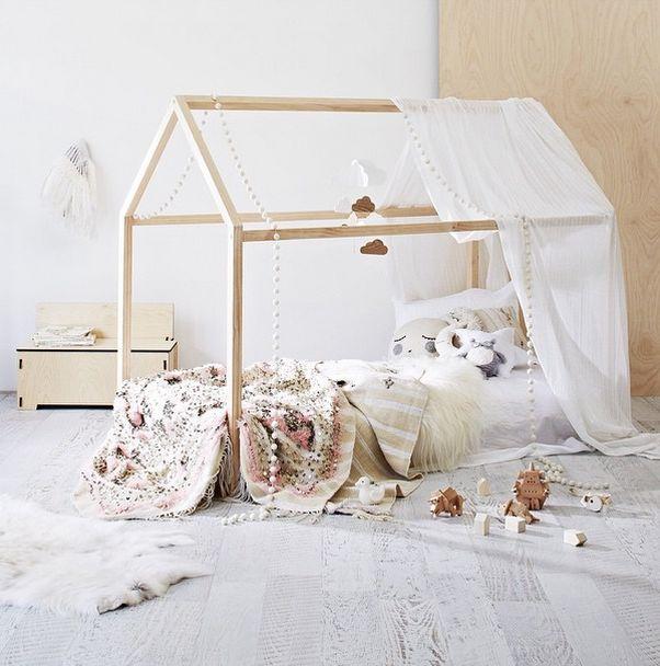 Girlystan: Un lit maison pour la chambre de votre enfant